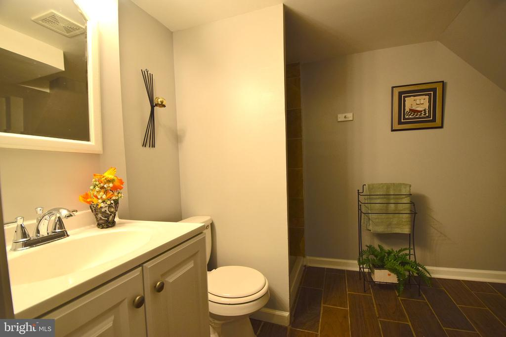 Lower Level Full Bathroom - 5818 CARLYLE ST, CHEVERLY