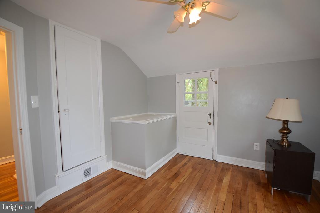 Bedroom 3 - 5818 CARLYLE ST, CHEVERLY