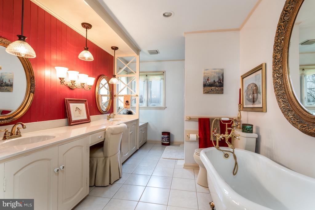 En Suite Bathroom - 4 WINDSOR LODGE LN, FLINT HILL