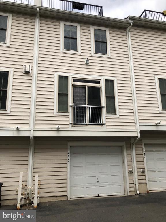 Garage - 2624 S KENMORE, ARLINGTON