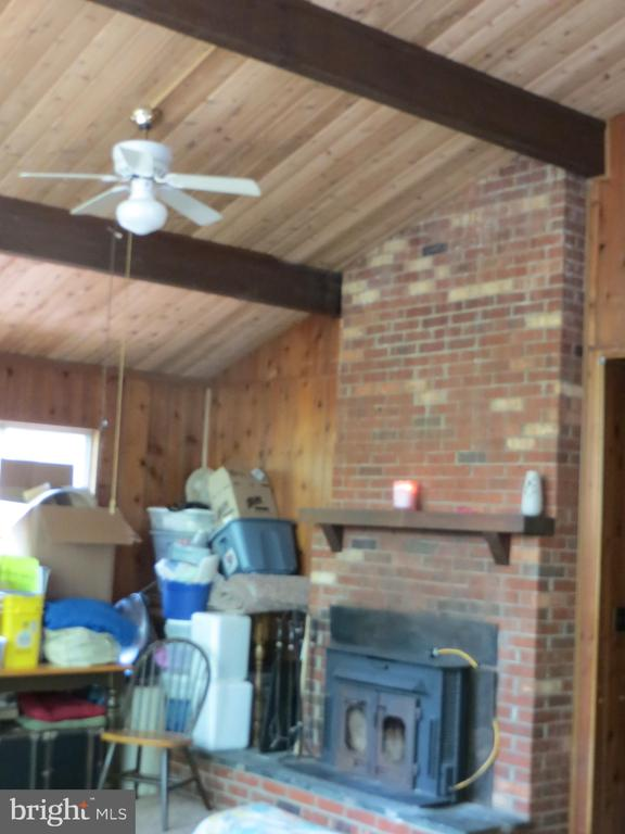 Vaulted Wood Ceilings- New Roof - 537 MT PLEASANT DR, LOCUST GROVE