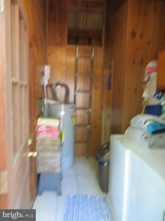 Laundry Room - 537 MT PLEASANT DR, LOCUST GROVE