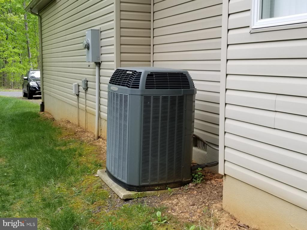 trane heatpump - 138 EAGLE CT, LOCUST GROVE