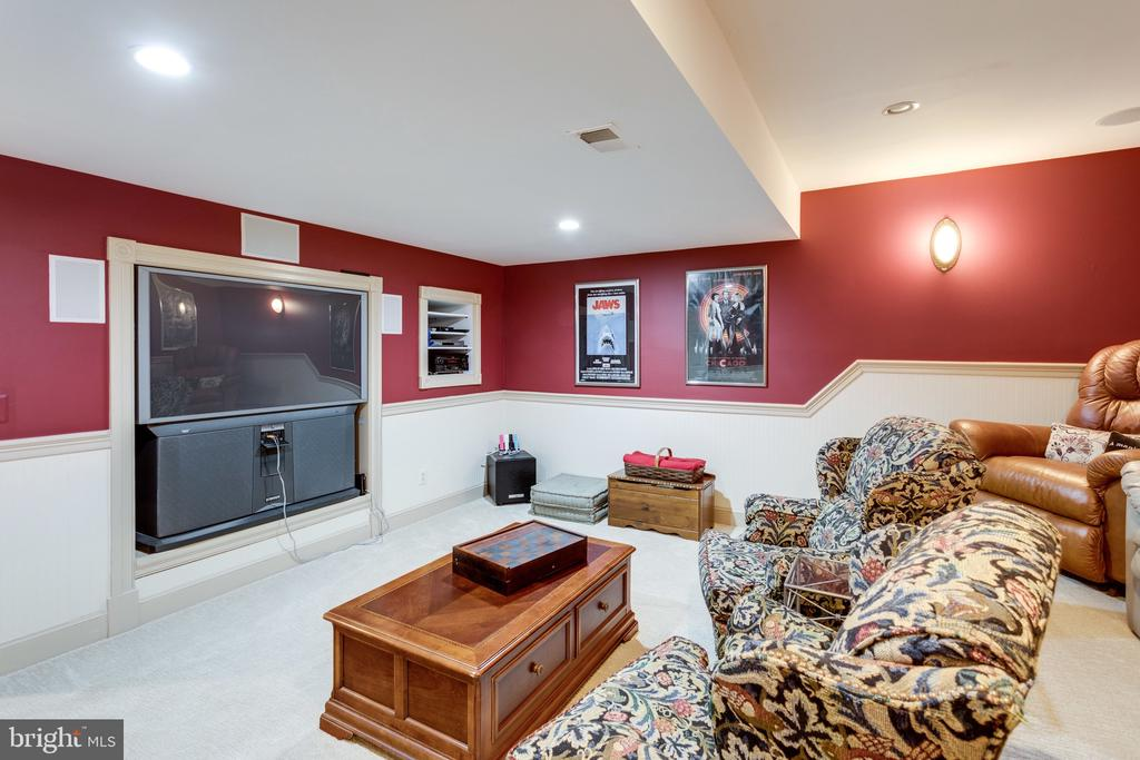 Enjoy a Night at the Movies at Home. - 10114 LAWYERS RD, VIENNA