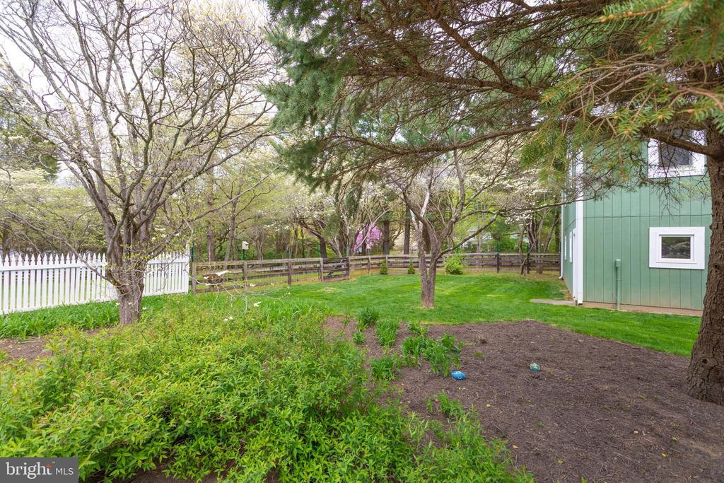 Perennial Garden Near Barn. - 10114 LAWYERS RD, VIENNA