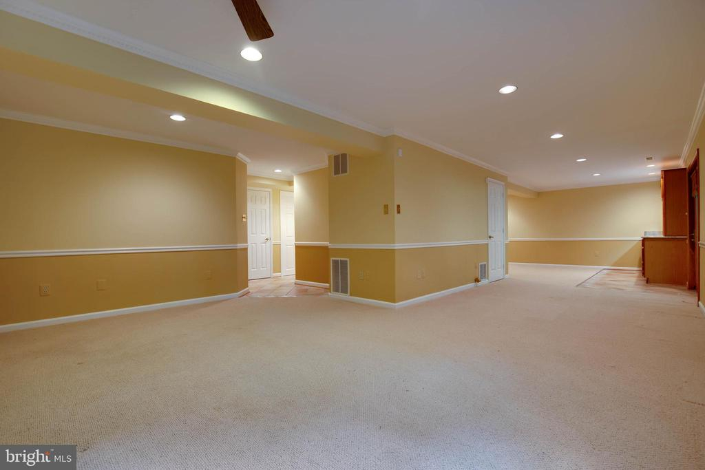 So much space in the lower level for many ideas - 7704 LAKELOFT CT, FAIRFAX STATION