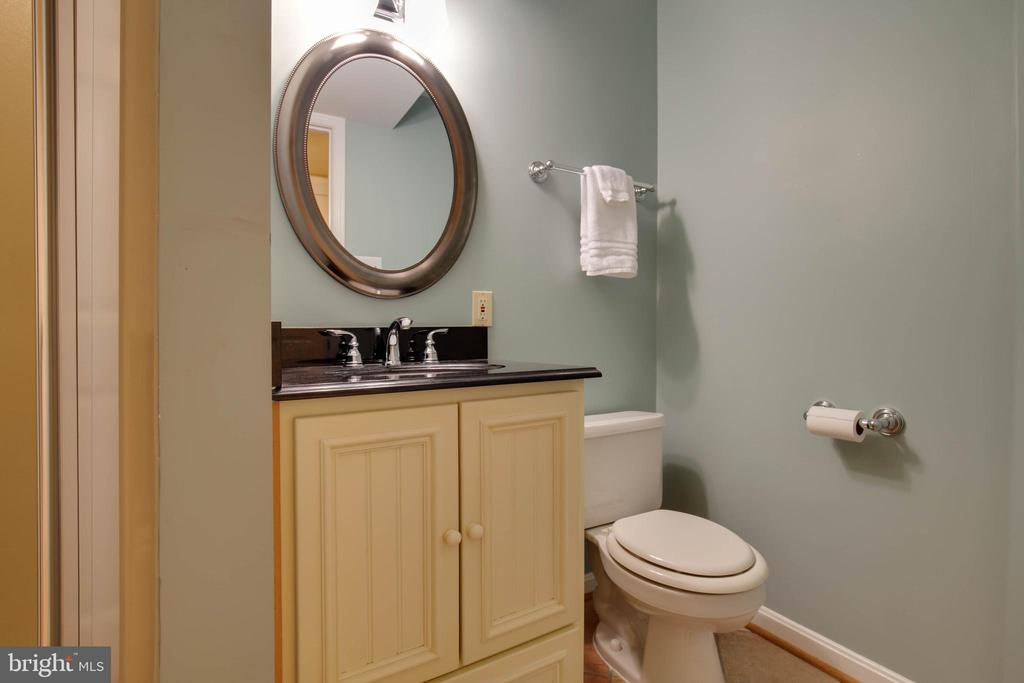Full bath in the lower level is a great idea - 7704 LAKELOFT CT, FAIRFAX STATION