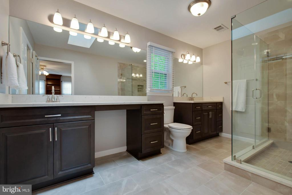 Look at this master bath- amazing! - 7704 LAKELOFT CT, FAIRFAX STATION