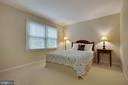 2nd bedroom is roomy- plenty of space for a queen - 7704 LAKELOFT CT, FAIRFAX STATION