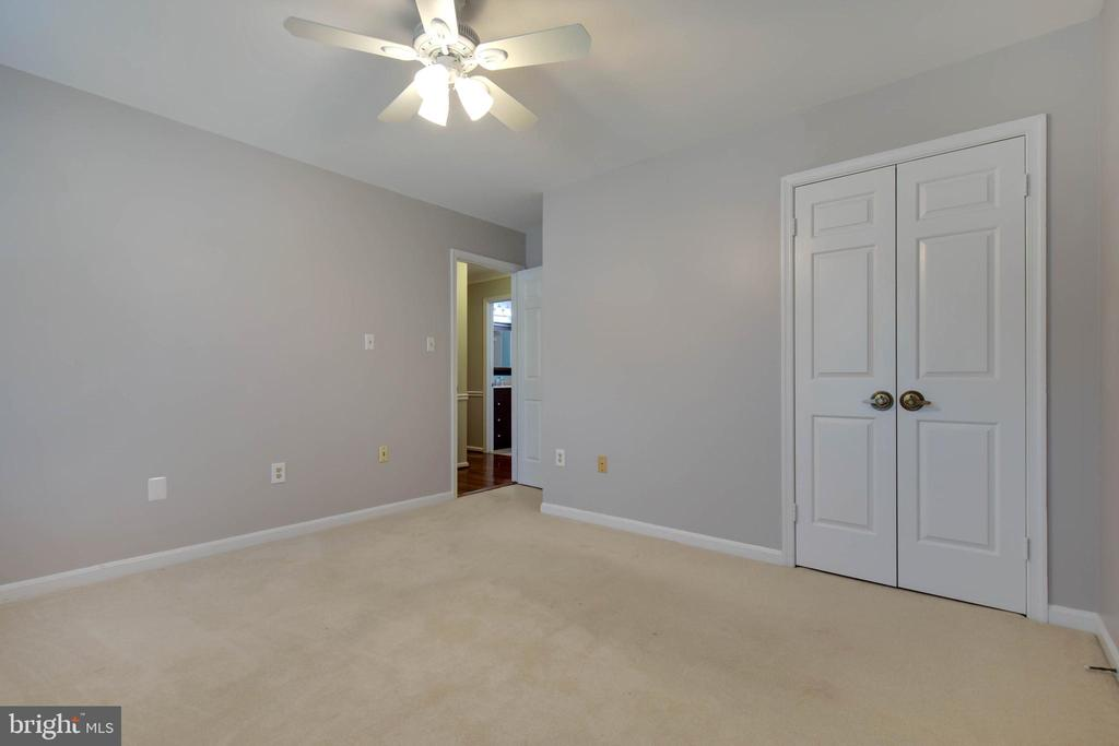 Love the ceiling fan and light in 3rd bedroom - 7704 LAKELOFT CT, FAIRFAX STATION