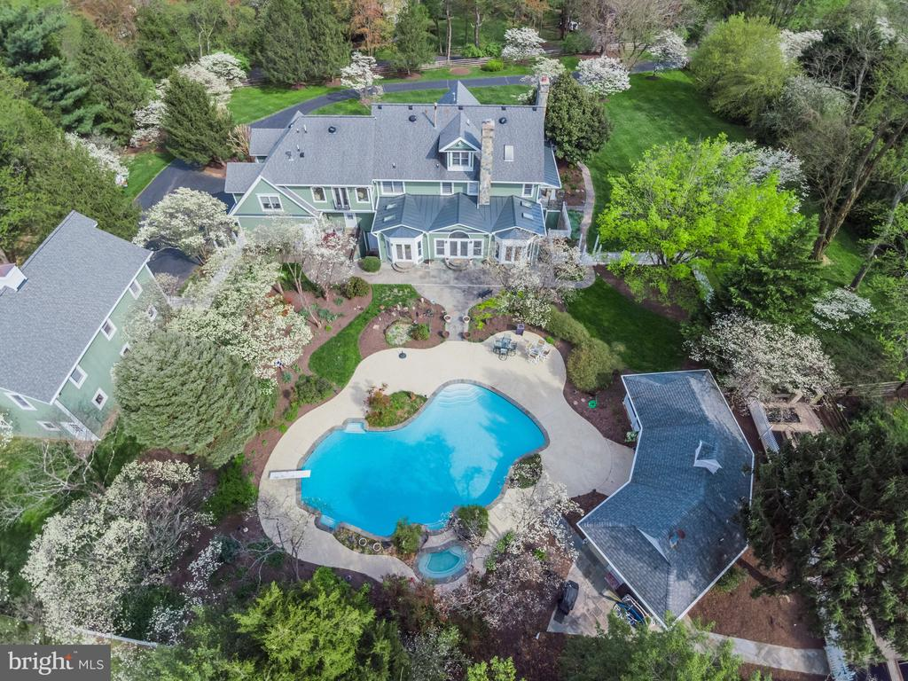 Aerial View of an extraordinary Property - 10114 LAWYERS RD, VIENNA