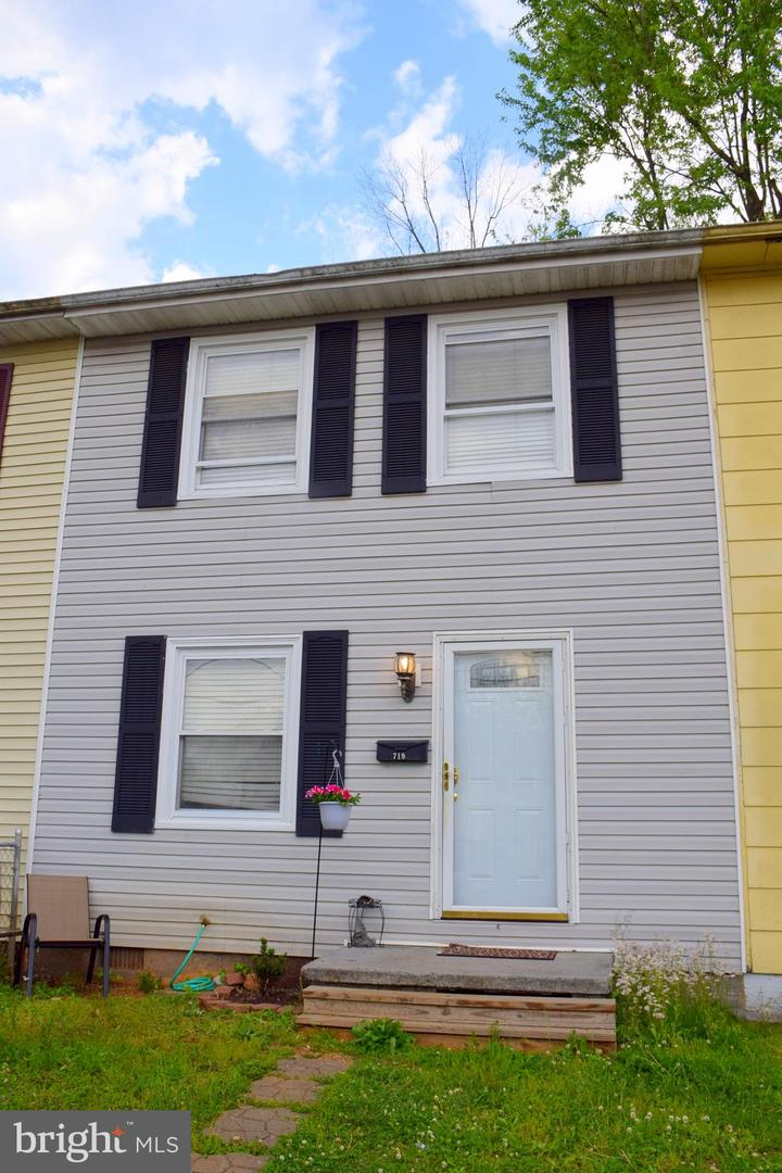 Single Family for Sale at 719 W 13th St Front Royal, Virginia 22630 United States