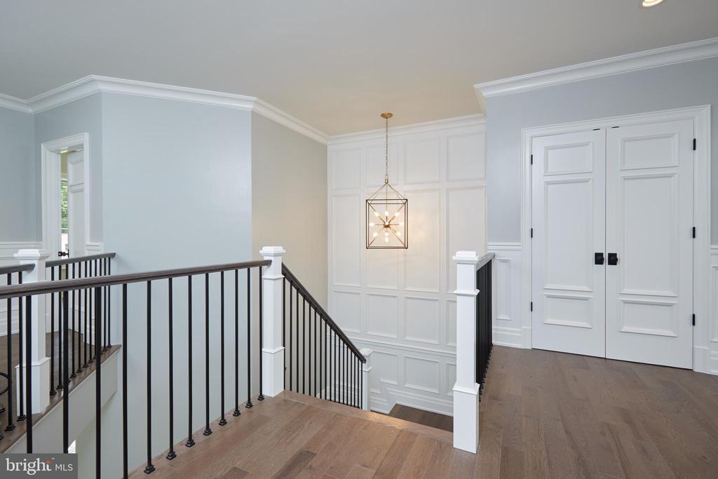 Upper Level Stair Foyer - 717 MILLER AVE, GREAT FALLS