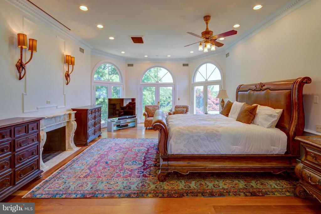 Master Bedroom Suite - 9531 RIVER RD, POTOMAC