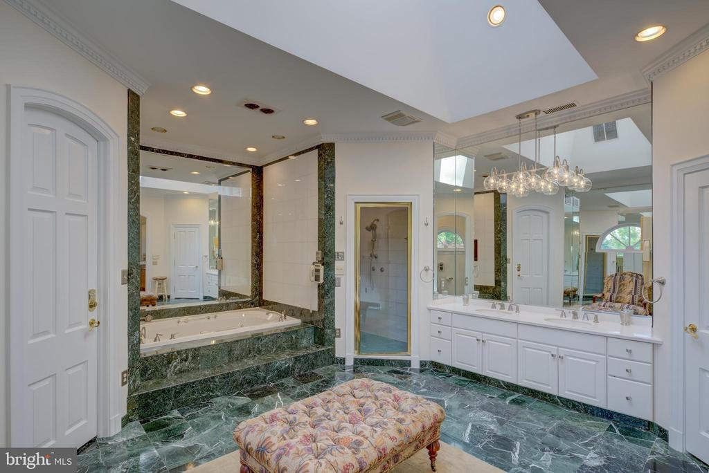 Master Bath - 9531 RIVER RD, POTOMAC