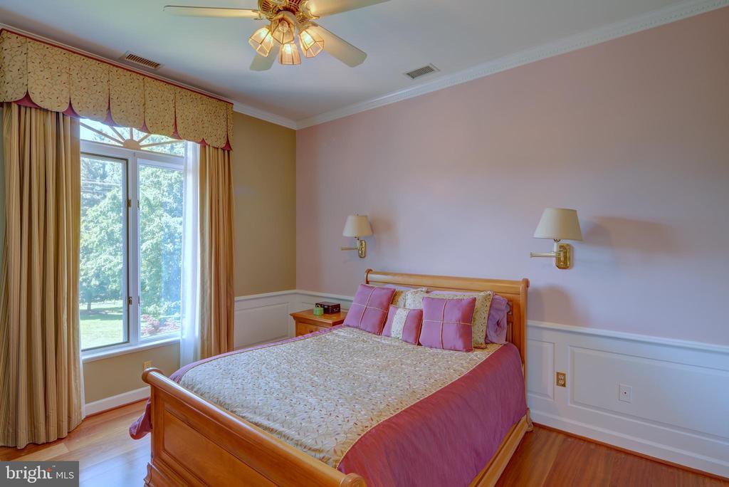 Bedroom 1 - 9531 RIVER RD, POTOMAC