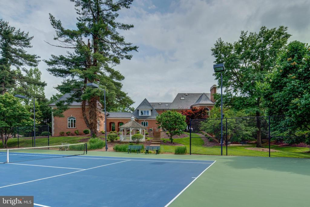 Tennis-Rear - 9531 RIVER RD, POTOMAC