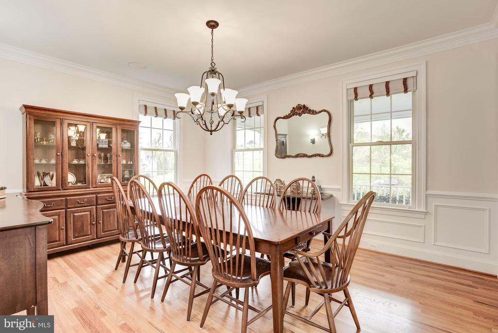 Dining Room - 35054 MCKNIGHT CT, ROUND HILL