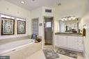 and Separate Shower - 35054 MCKNIGHT CT, ROUND HILL