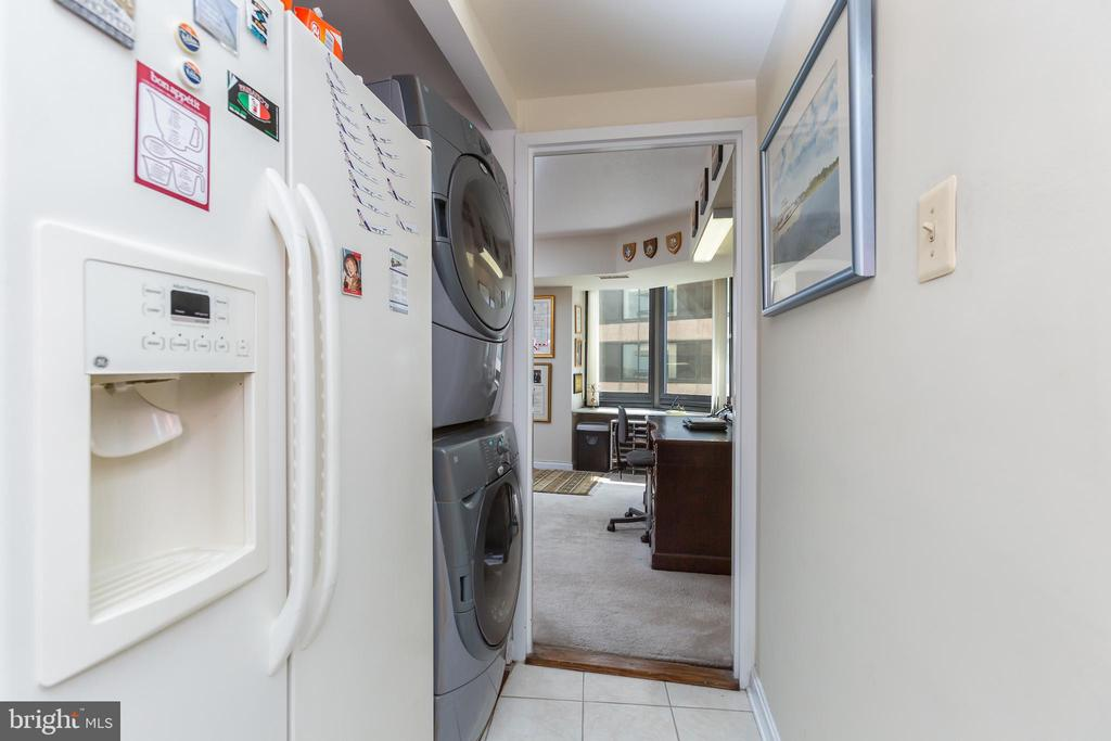 Laundry - 1200 CRYSTAL DRIVE #1413-1414, ARLINGTON