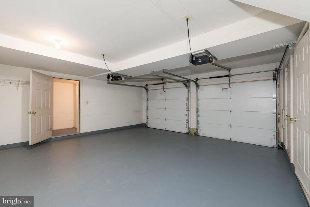 2 car garage with multiple  storage closets - 2200 JOURNET DR, DUNN LORING