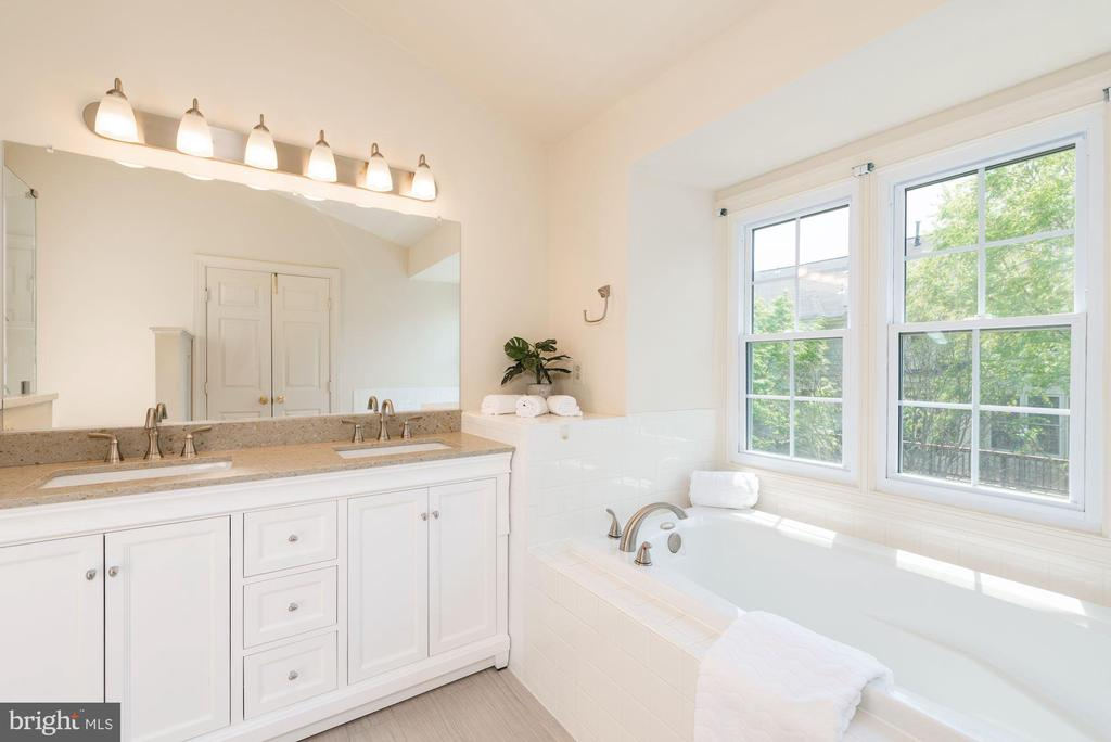 Master Bath New Dual Vanity New Tile Flooring - 2200 JOURNET DR, DUNN LORING
