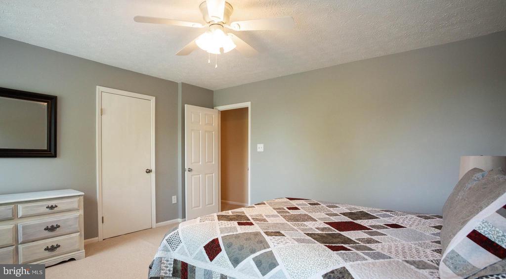 Bedroom 2 - 8145 MORNING BREEZE DR, ELKRIDGE