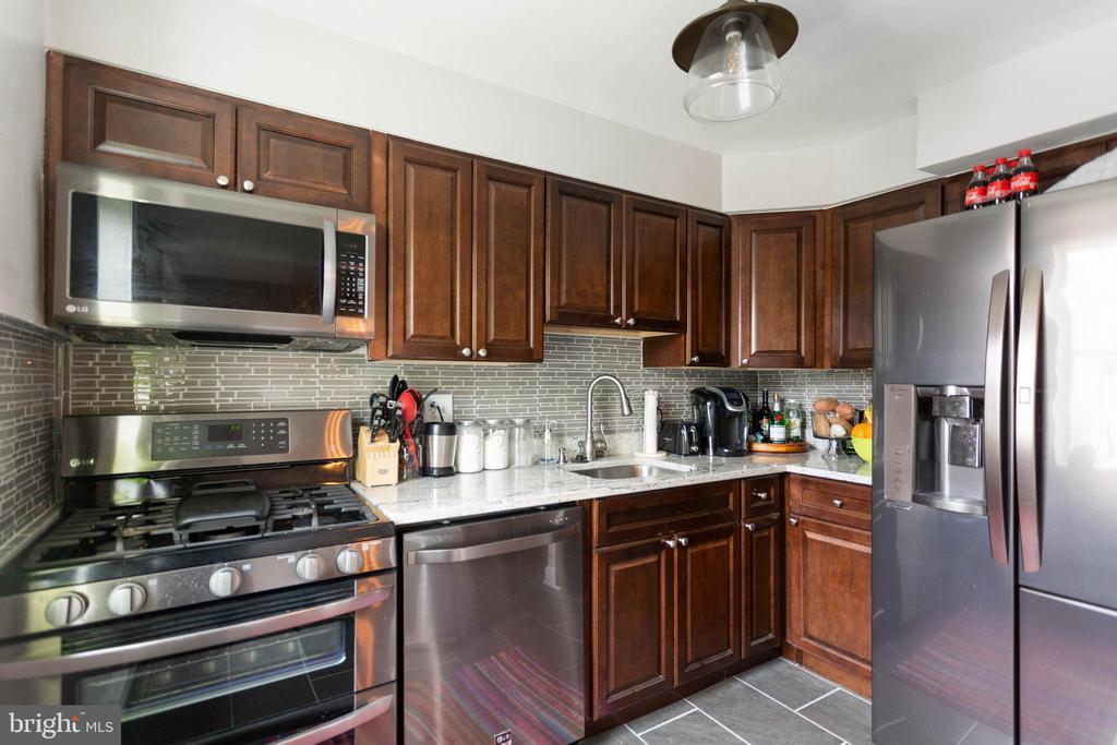 Kitchen - 6616 E WAKEFIELD DR #A1, ALEXANDRIA