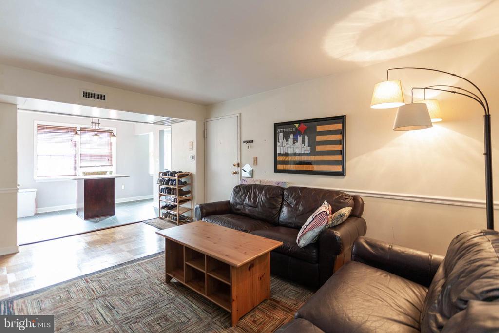 Living Room - 6616 E WAKEFIELD DR #A1, ALEXANDRIA