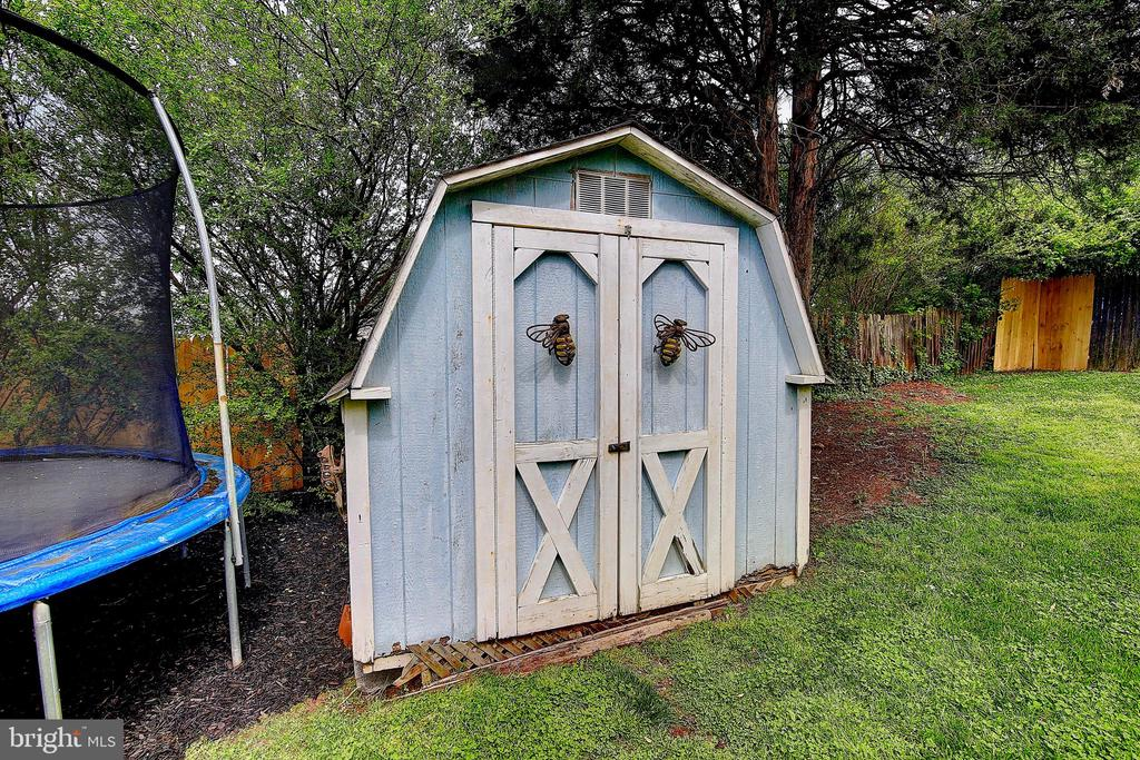 Shed - 300 W BEECH RD, STERLING