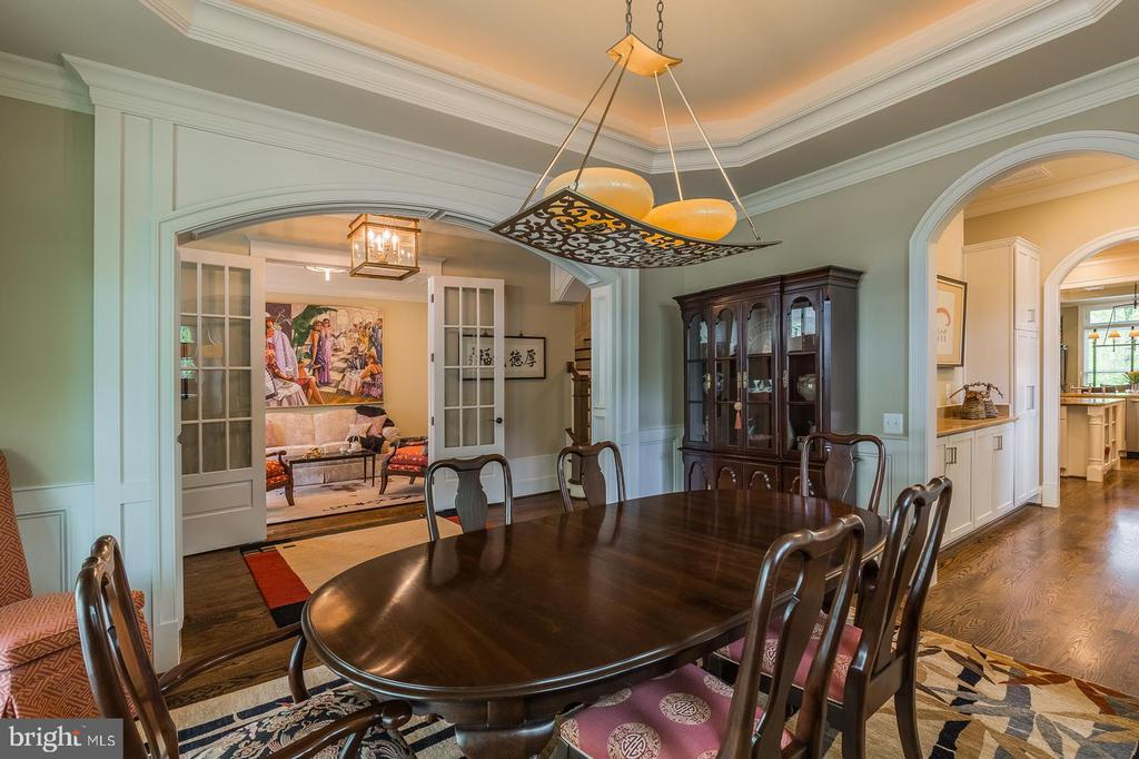 Perfect formal entertainment flow - 1207 ROSS DR SW, VIENNA