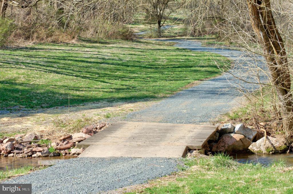 2-Mile path meanders through the community - 17160 SPRING CREEK LN, LEESBURG