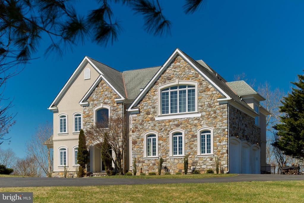 Stone and Stucco - handcrafted in quality - 17160 SPRING CREEK LN, LEESBURG