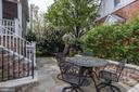 Flagstone patio with landscaping walls - 405 N HIGHLAND ST, ARLINGTON