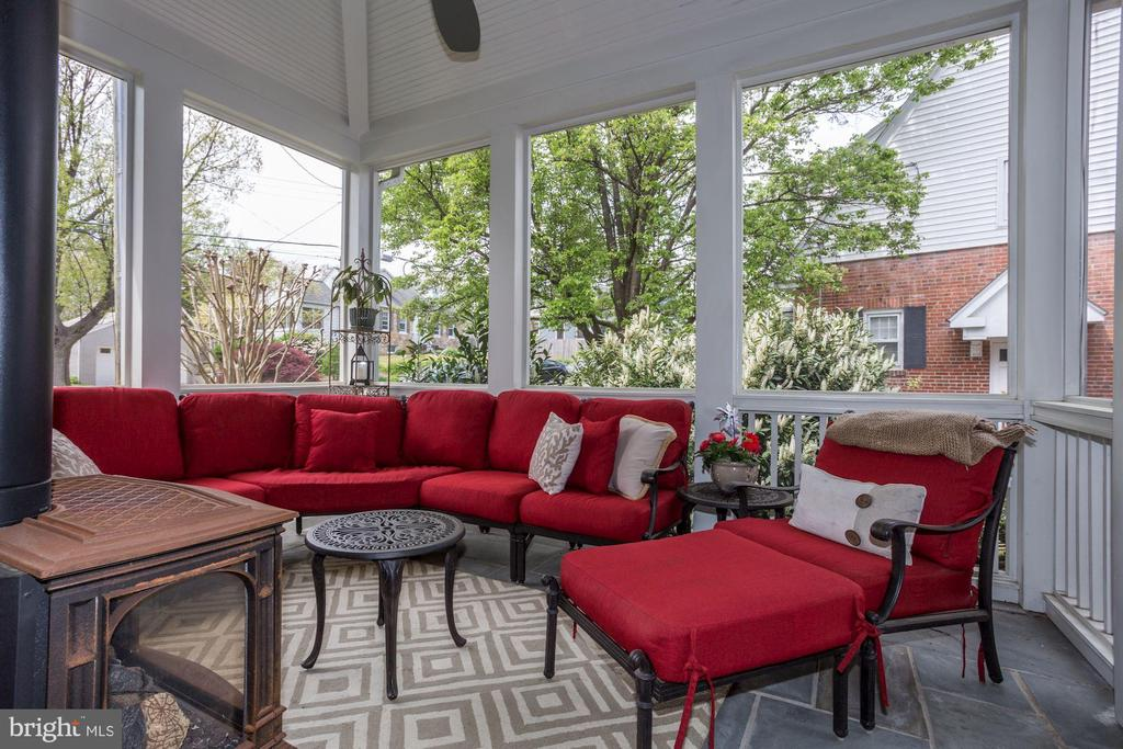 Flagstone screened porch off of family room - 405 N HIGHLAND ST, ARLINGTON