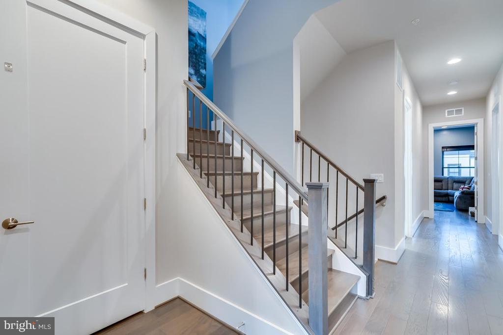 Elevator and Staircase - 44658 BRUSHTON TER, ASHBURN