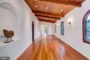 Large Hallway, A Writer's or Painter's Spot? - 833 LONDONTOWN RD, EDGEWATER