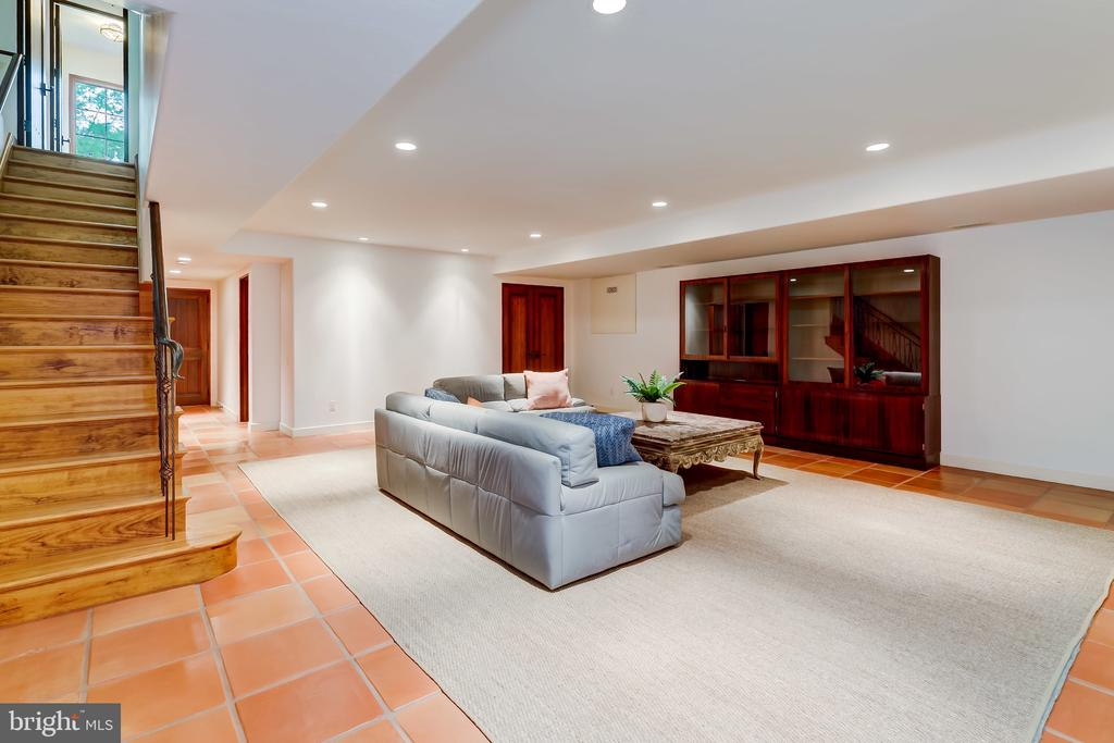 Lower Level Rec Room, Pool Table? Ping Pong? Both? - 833 LONDONTOWN RD, EDGEWATER