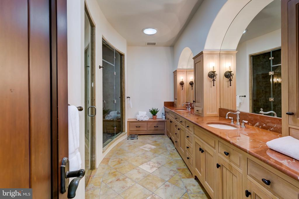 His/Her Sinks with Marble Countertops - 833 LONDONTOWN RD, EDGEWATER