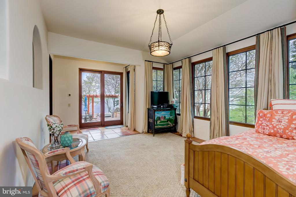Easy Access from Patio/Pool Area - 833 LONDONTOWN RD, EDGEWATER
