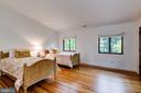 Bedroom 2 w/Full Bath, Vaulted Ceiling - 833 LONDONTOWN RD, EDGEWATER