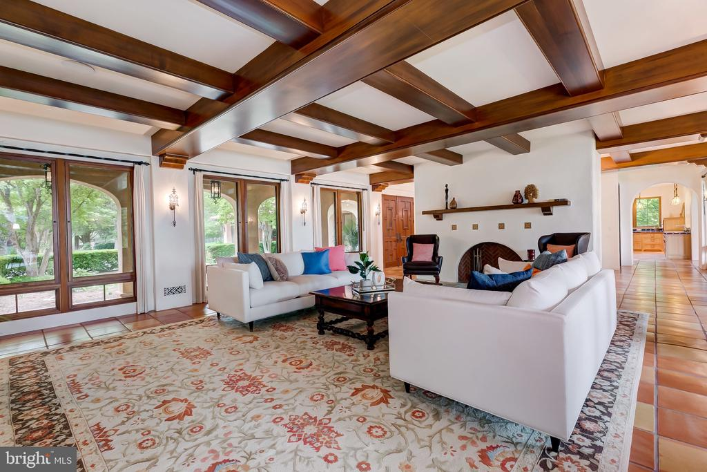 That Ceiling, Wow - 833 LONDONTOWN RD, EDGEWATER