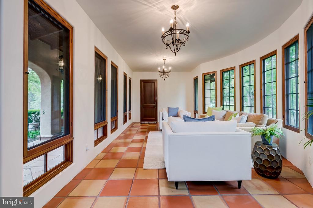Conservatory, connects Garage to Main House - 833 LONDONTOWN RD, EDGEWATER