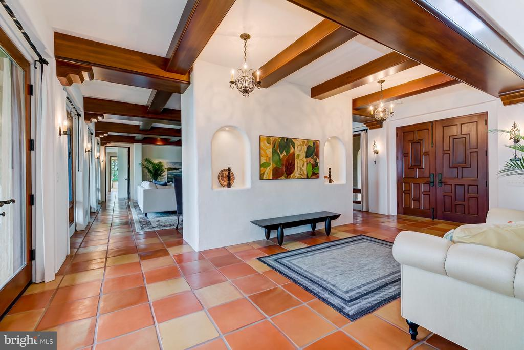 Foyer provides Access To Grand Room & Kitchen - 833 LONDONTOWN RD, EDGEWATER