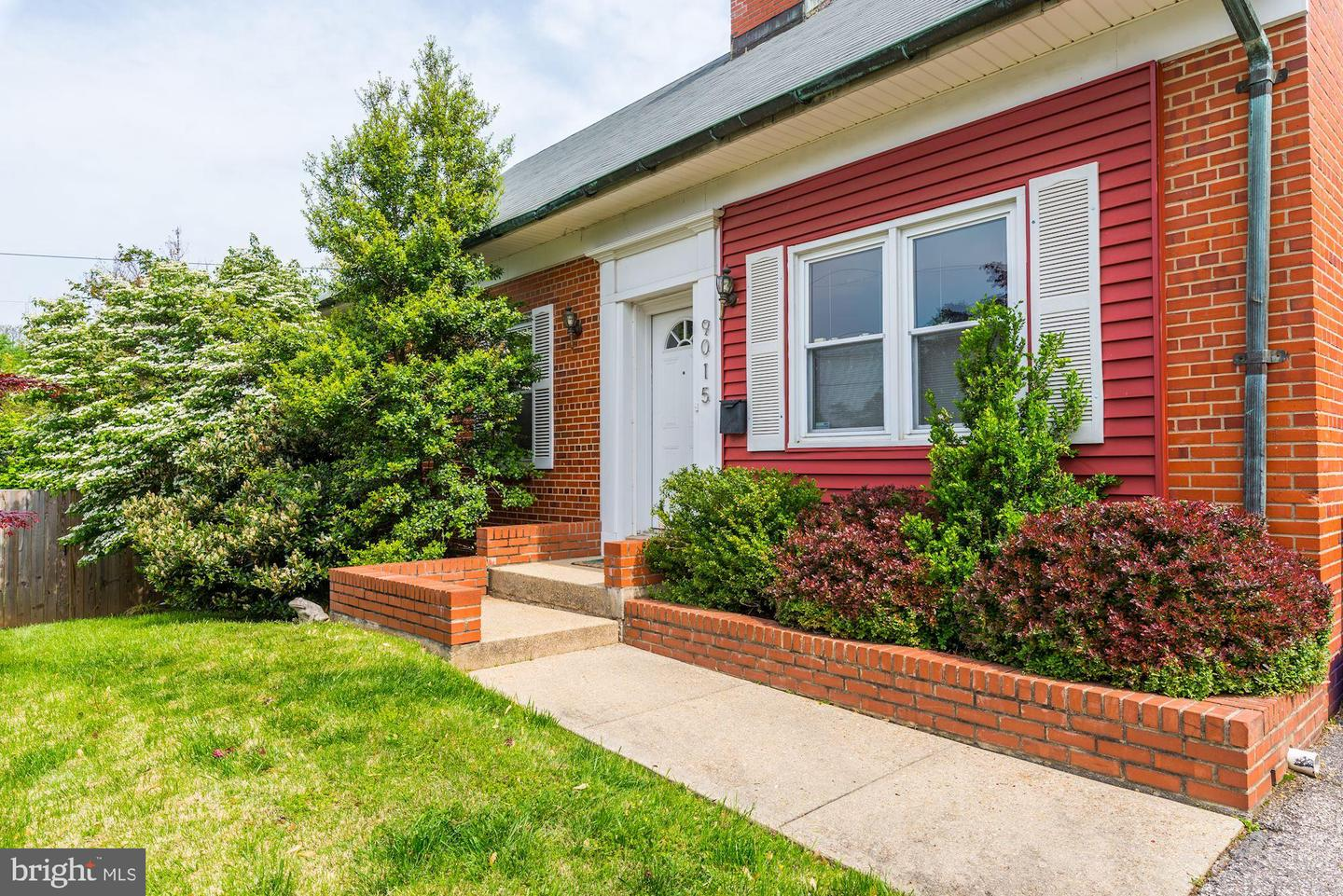 Additional photo for property listing at 9015 3rd Ave Silver Spring, Maryland 20910 United States