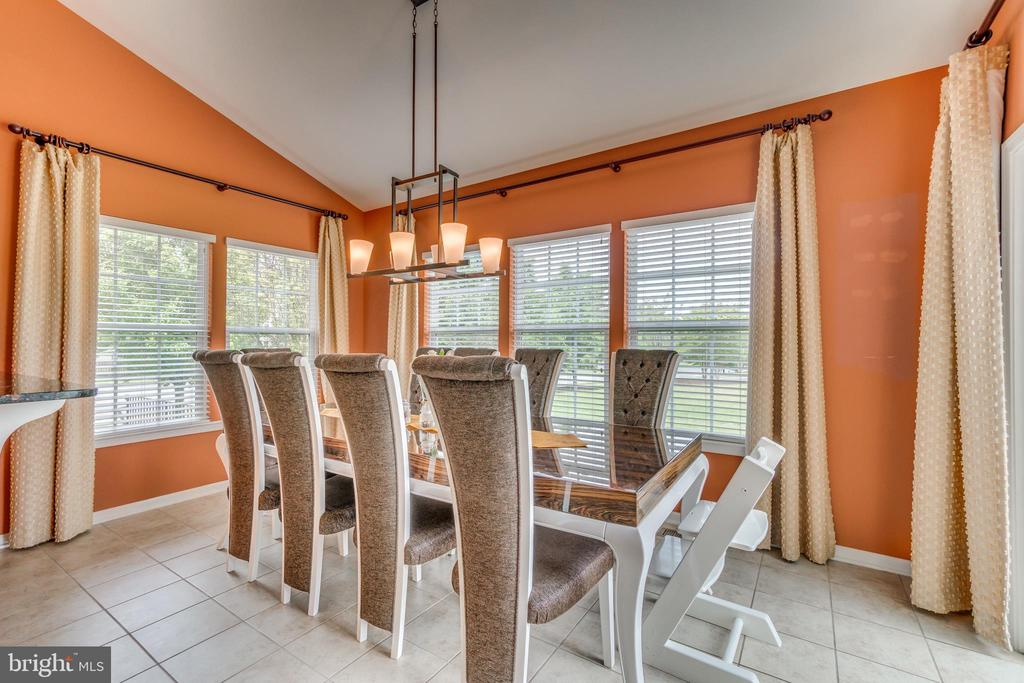 Breakfast Room w/Vaulted Ceiling & Custom Drapery - 5723 WOODBINE CT, FREDERICKSBURG
