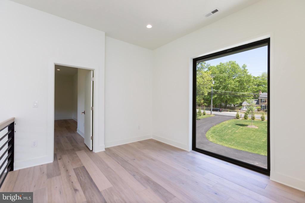Loft Sitting Area - 4408 OLLEY LN, FAIRFAX