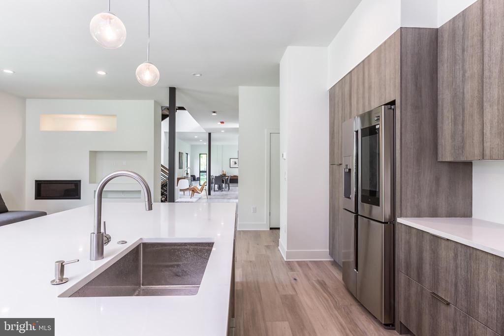 Kitchen - 4408 OLLEY LN, FAIRFAX