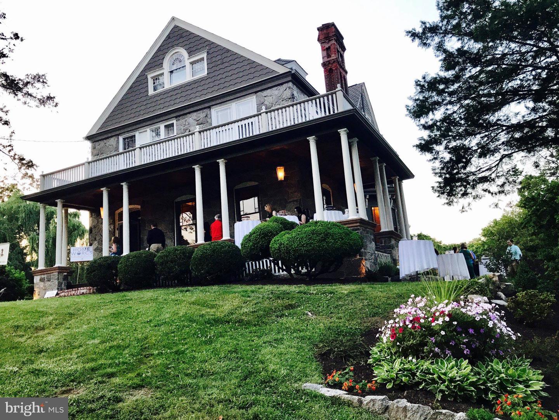 Single Family Homes للـ Sale في Woodbury, New Jersey 08096 United States