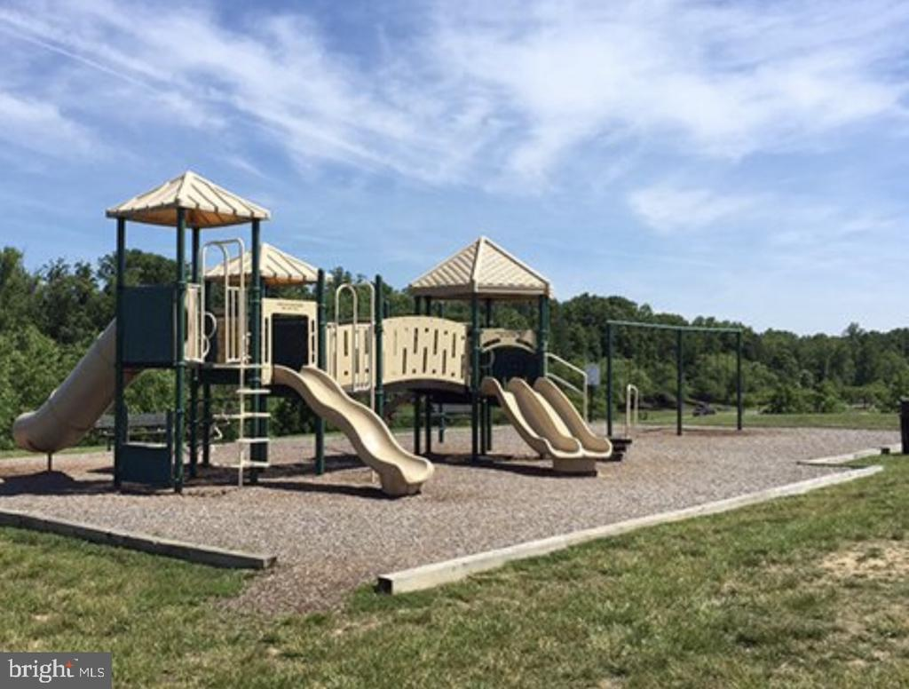 Community Playground - 5723 WOODBINE CT, FREDERICKSBURG